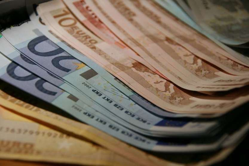 Euro banknotes - Photo credit: comedy_nose / Foter / Creative Commons Attribution 2.0 Generic (CC BY 2.0)