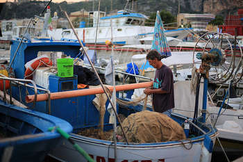 Pesca - Photo credit: imagina (www.giuseppemoscato.com) / Foter / Creative Commons Attribution-NonCommercial-ShareAlike 2.0 Generic (CC BY-NC-SA 2.0)