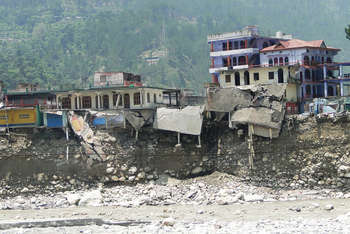 Floods in Uttarkashi, India. June 2013 - Photo credit: Oxfam International / Foter / Creative Commons Attribution-NonCommercial-NoDerivs 2.0 Generic (CC BY-NC-ND 2.0)