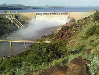 Dam, Africa - Author Aliwal2012