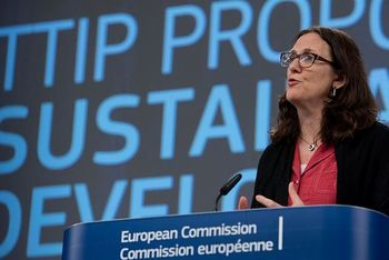 Cecilia Malmström at the podium © European Union , 2015 / Source: EC - Audiovisual Service / Photo: Etienne Ansotte