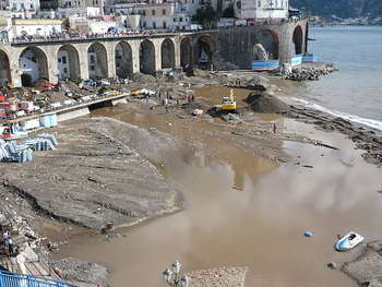 Alluvione Campania - Author Mess