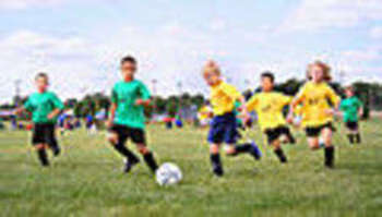 Youth soccer in small town USA. Photo shot by Derek Jensen (Tysto), 2005-September-17