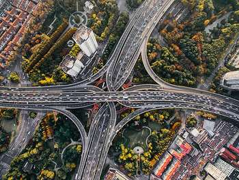 Roads in China - Author Denys Nevozhai dnevozhai