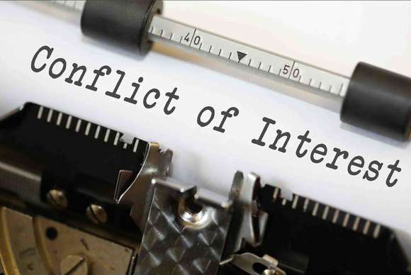 Conflict of Interest by Nick Youngson CC BY-SA 3.0 ImageCreator