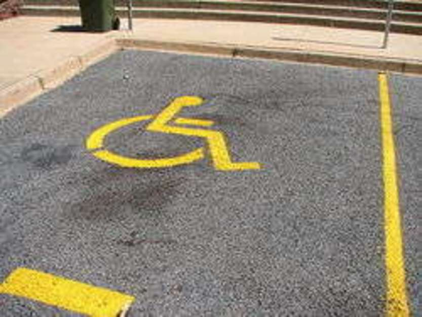 A disabled parking place - foto di Tdmalone