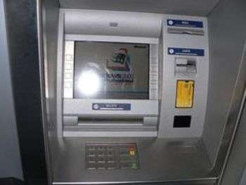 Cash dispenser - foto di Rama