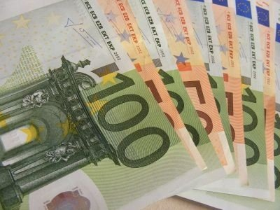 Euro - Photo credit: Public Domain Photos / Foter / Creative Commons Attribution 2.0 Generic (CC BY 2.0)